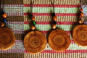 4 Wooden Handmade Accessories to Wear This Year