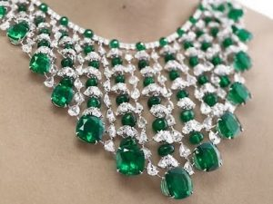 Buy Trendy And Expressive Jewellery On The Internet