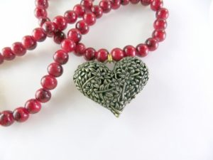 gold-heart-necklace